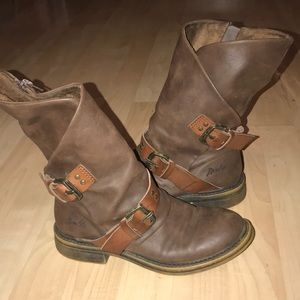 Ladies blowfish side zip mid calf boots size 6